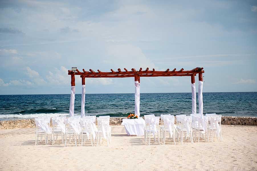 Gran-Bahia-Principe-Akumal-Beach-Hammock