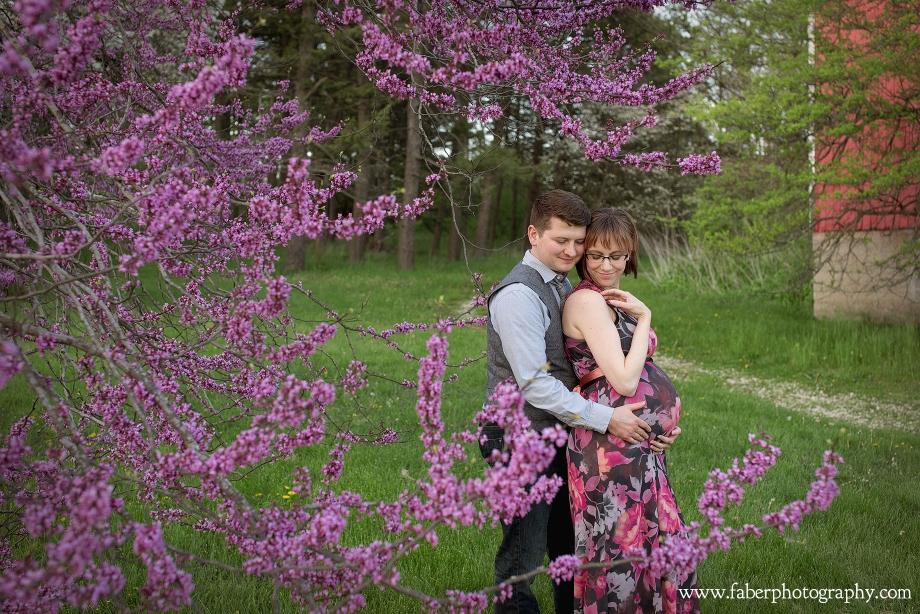 Boerner-Botanical-Gardens-Maternity-Photo-Session-v1